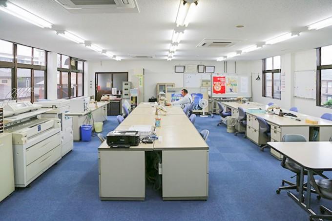 埼玉県川越市の建設会社 中里組の工事部フロア紹介
