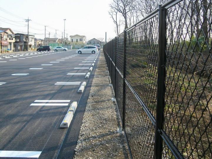 駐車場 フェンス設置工事の写真
