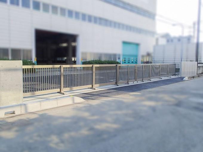 工場 倉庫の門扉リフォーム