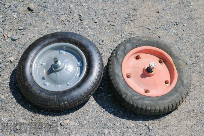新しいタイヤと古いタイヤ