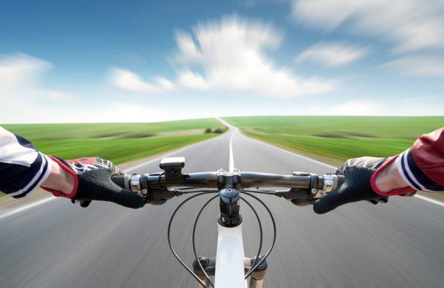 自転車レーンをつくっていますのイメージ