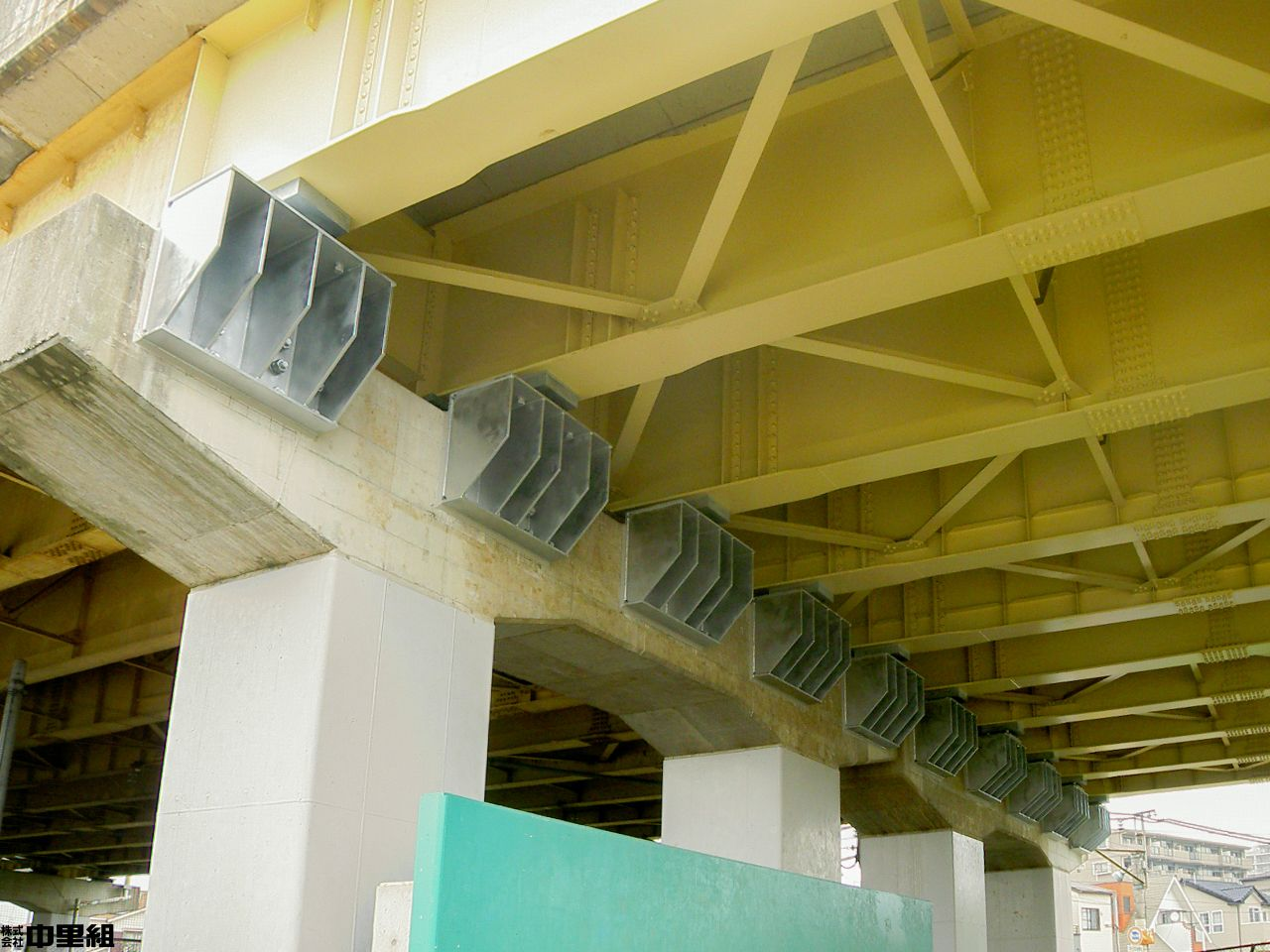 川越線高架橋の写真