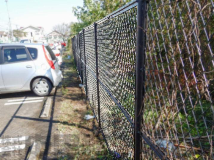 駐車場フェンス交換工事の写真